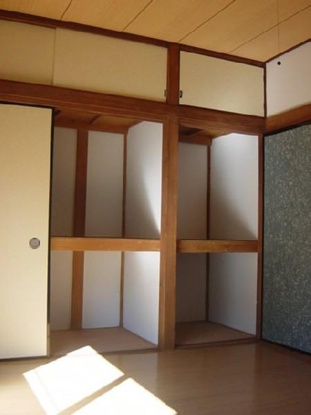 しらかば荘 102号室の収納