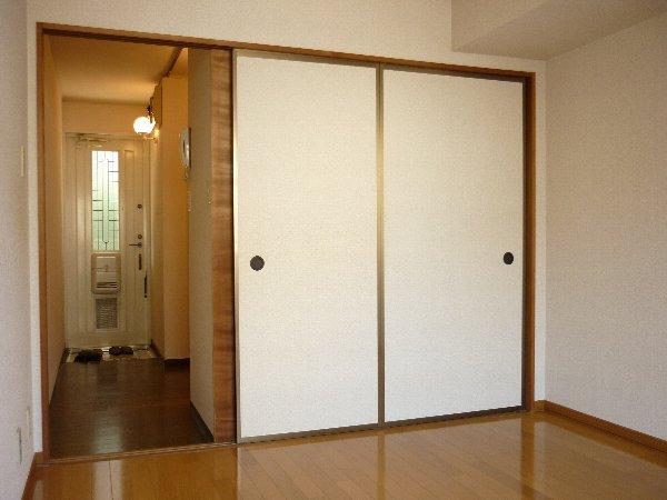 サンコーポ 105号室の居室