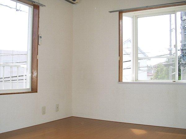 パークサイド 105号室の居室