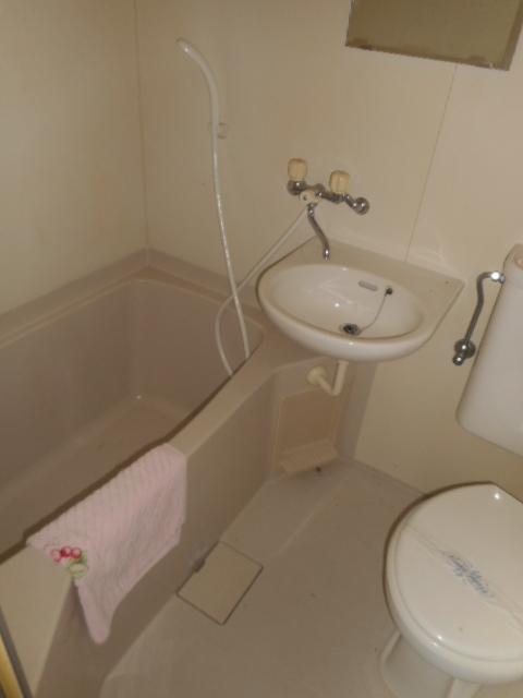 プチメゾン牧ケ谷 102号室の風呂