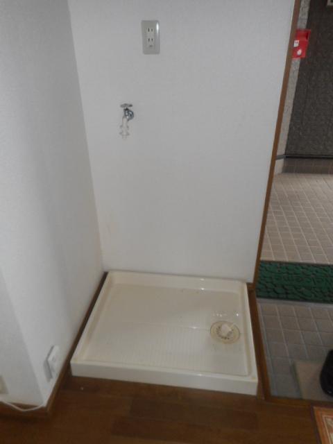 プチメゾン牧ケ谷 102号室の洗面所