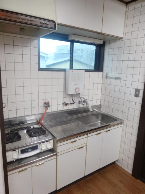 若葉第一ビル 301号室のキッチン