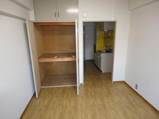 洛西みやびビル 208号室の収納