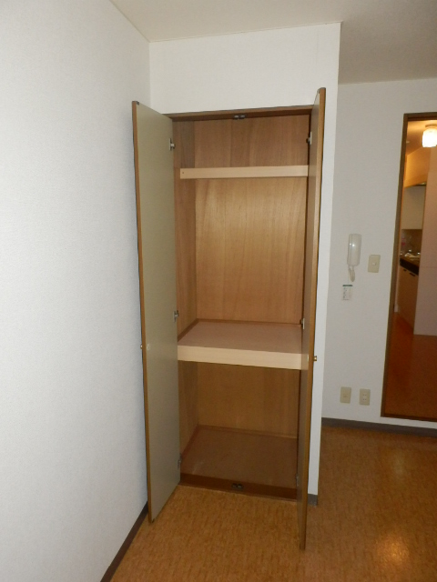 COMFORT97 101号室の収納