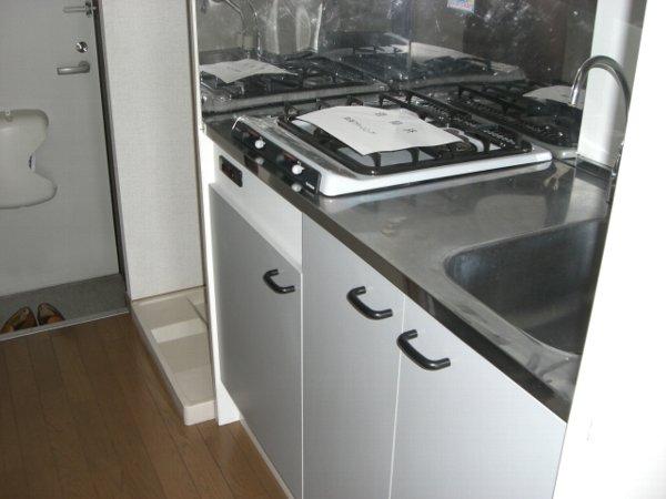 アムールS 102号室のキッチン