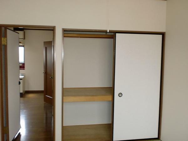 ゴールドマンション浦和 303号室の収納