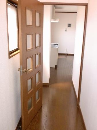 ゴールドマンション浦和 303号室の玄関