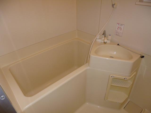 ファミーナシオンA 202号室の風呂