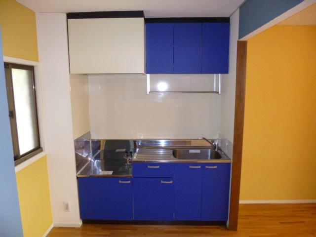 ファミーナシオンA 202号室のキッチン