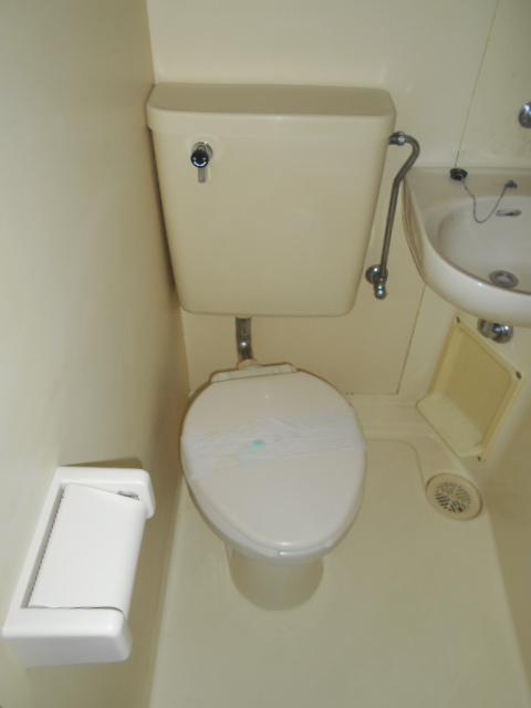 CRESENT TOWN 308号室のトイレ