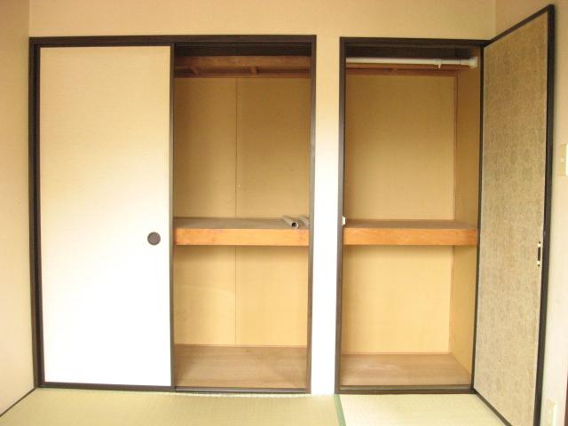 コーナーハウス C 103号室の収納