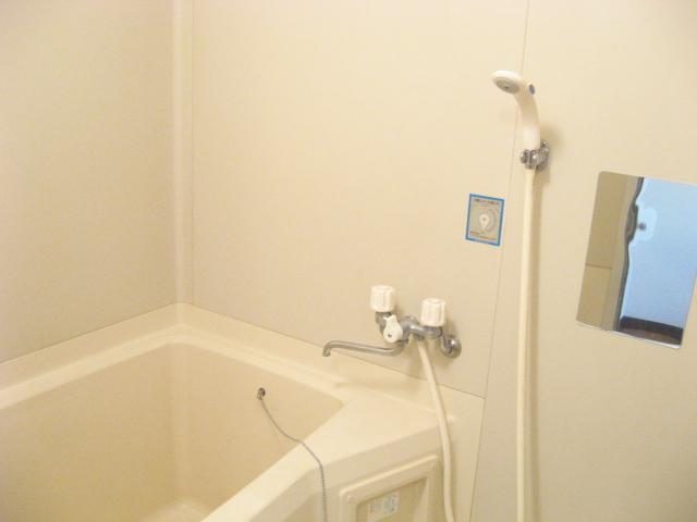 コーナーハウス C 103号室の風呂