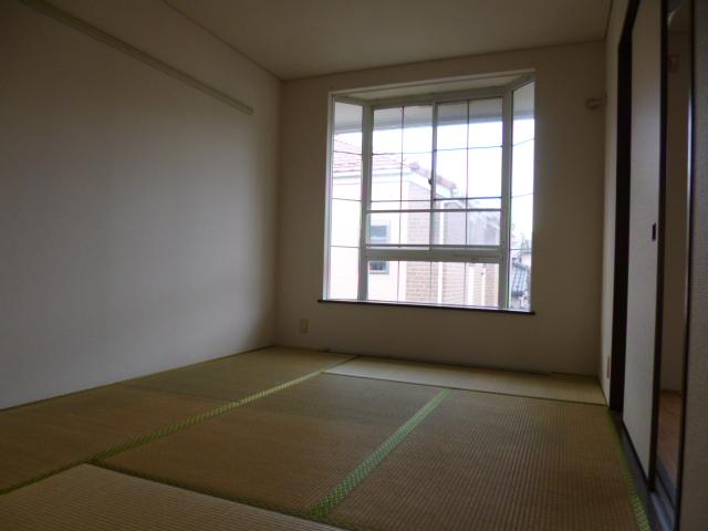 シャンボール内谷 202号室の居室