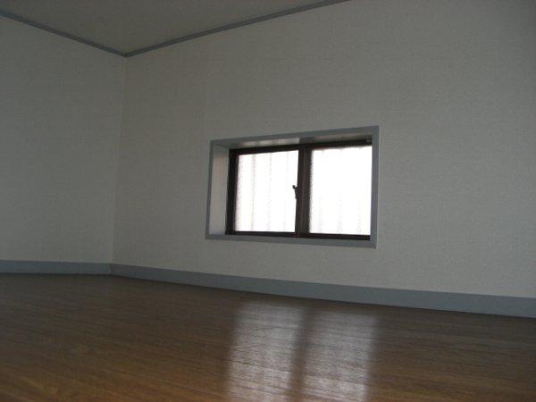 プラスコート浦和 101号室の居室