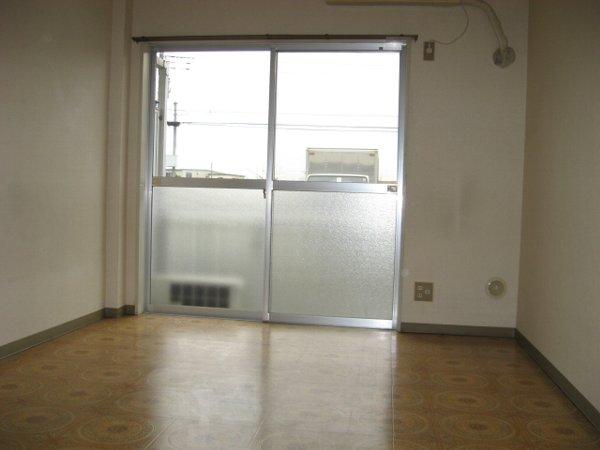 リバティハウス 307号室のリビング