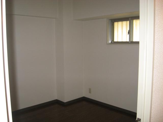 グリーンパークタニグチ 504号室の居室