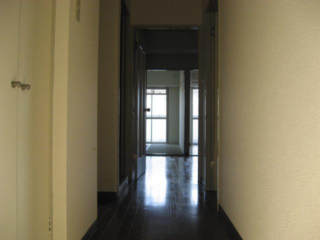 グリーンパークタニグチ 301号室の玄関