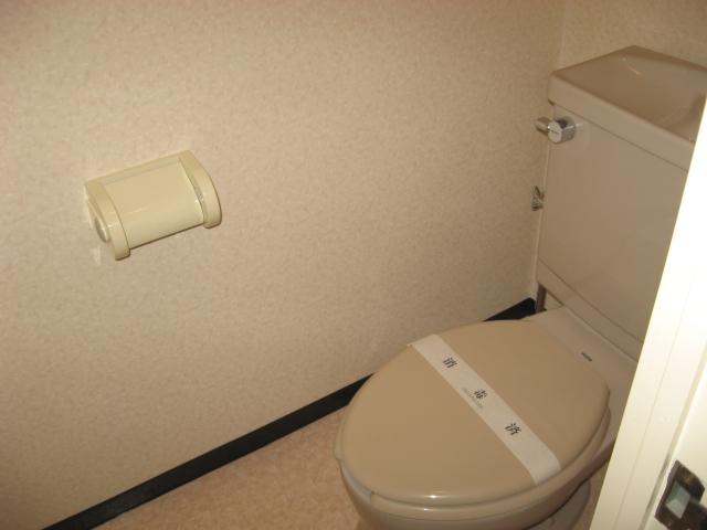 グリーンパークタニグチ 301号室のトイレ