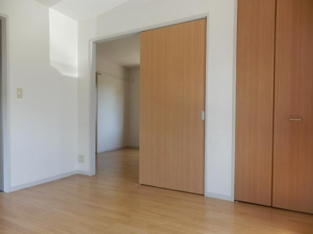 ウィン中浦和 102号室の居室