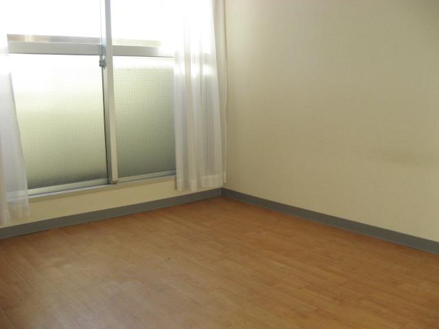セントヒルズ武蔵浦和 311号室のリビング