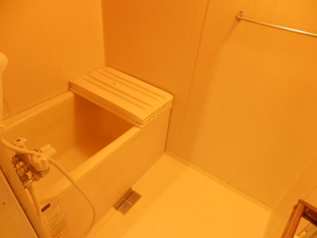 ハイデンス上の宮 102号室の風呂