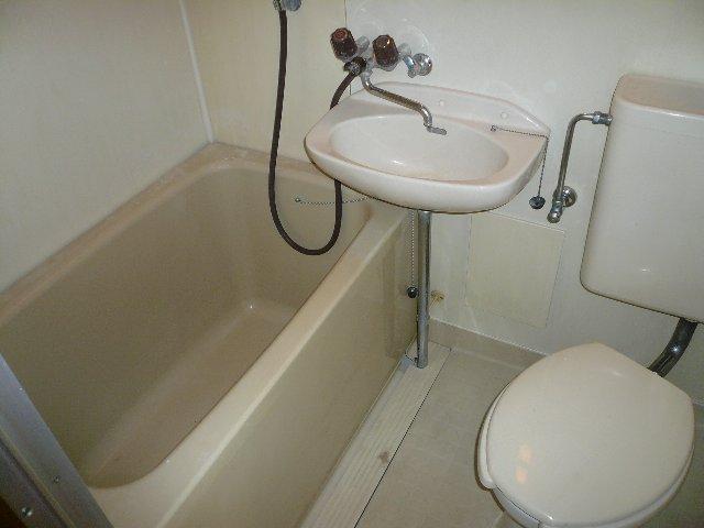 Yパレス浦和 201号室の風呂