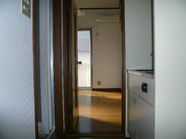 Yパレス浦和 203号室の玄関