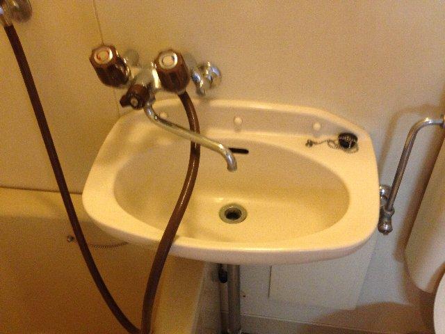 Yパレス浦和 203号室の洗面所