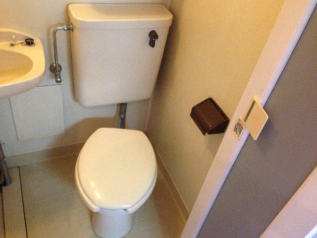 Yパレス浦和 203号室のトイレ