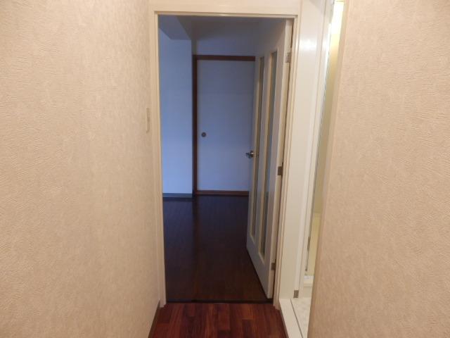 ラーバンライブ・別所沼 305号室の玄関