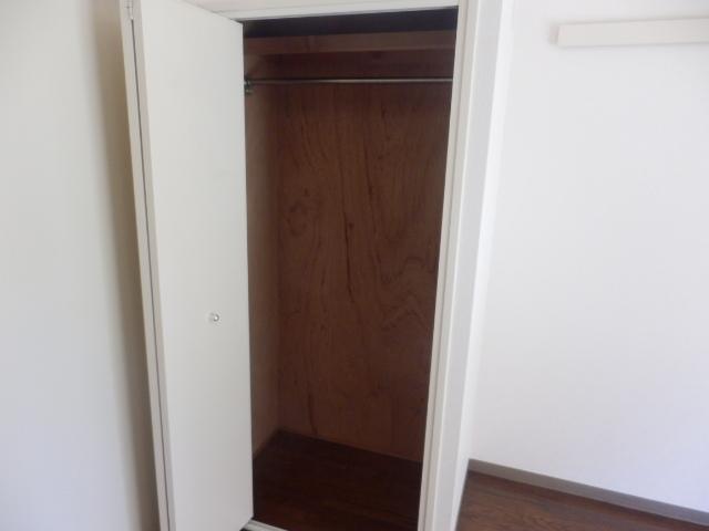 ラーバンライブ・別所沼 305号室の収納