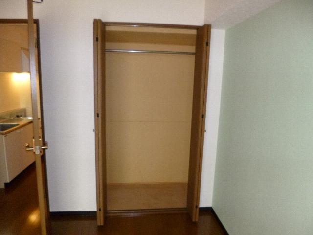 アイセイ エフ 104号室の収納