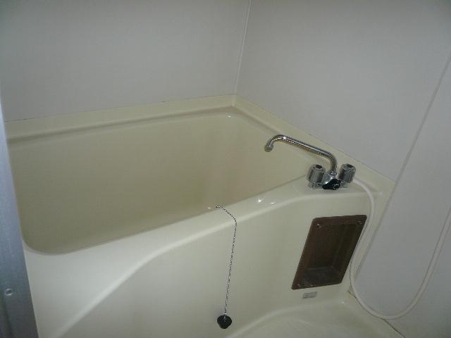 ファミーユ友光 202号室の風呂