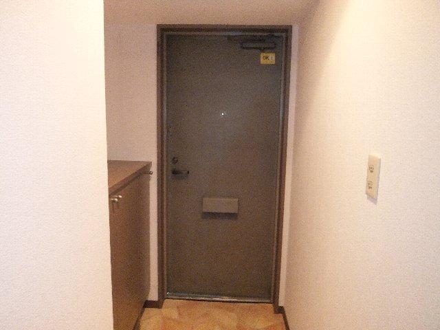 ラミーユ浦和ハイライズファースト・キャッスル 407号室の玄関