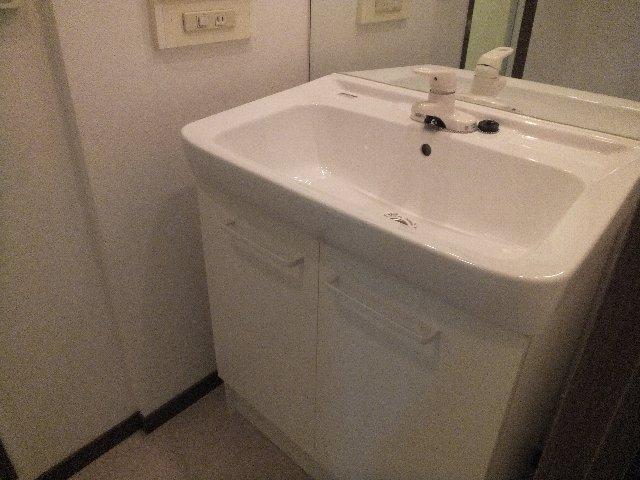 ラミーユ浦和ハイライズファースト・キャッスル 407号室の洗面所