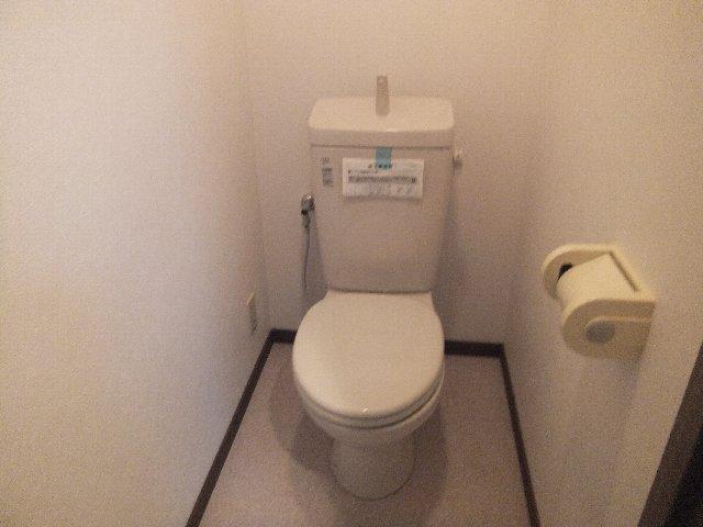 ラミーユ浦和ハイライズファースト・キャッスル 407号室のトイレ