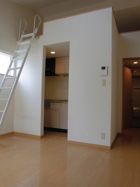 YS吉塚駅東1 202号室のリビング