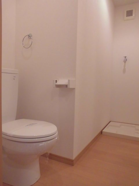 YS吉塚駅東1 202号室のトイレ
