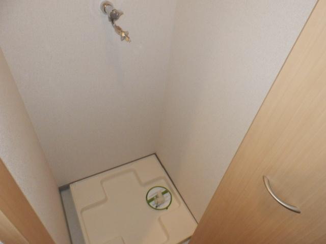 ジュエル上野毛 304号室の洗面所
