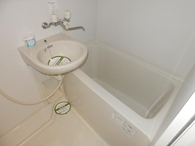ジュエル上野毛 304号室の風呂