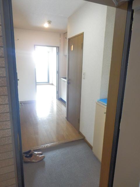 ラピュタ自由が丘 305号室の玄関