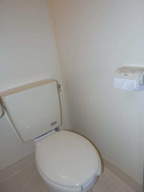 エトワール等々力 106号室のトイレ