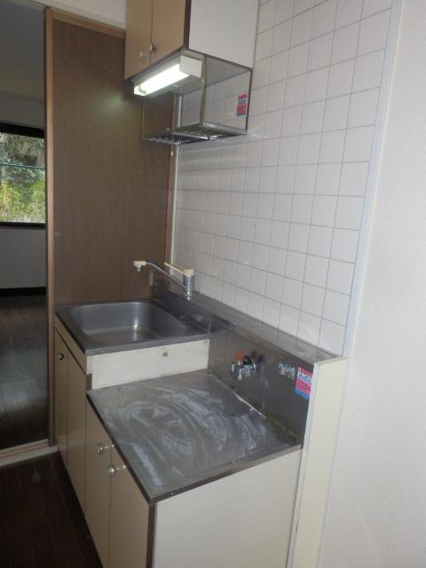 エトワール等々力 106号室のキッチン