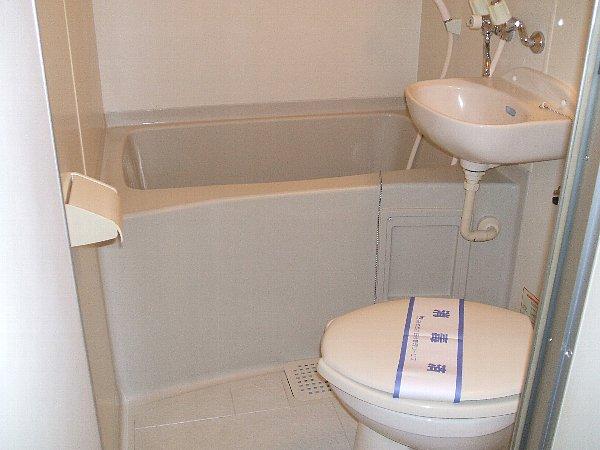 ファインコート目黒 102号室の風呂