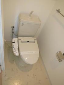 アーデン駒沢パークフロント 102号室のトイレ