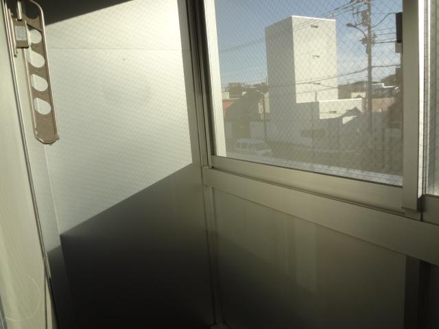 尾山台QSハイム 202号室のバルコニー