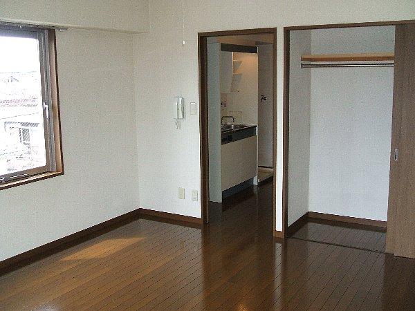 メルヴェイユ 301号室のリビング
