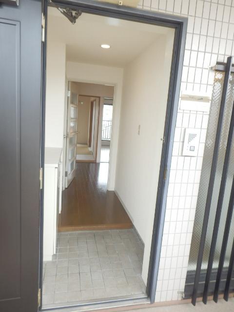 リバティヒル3 303号室の玄関