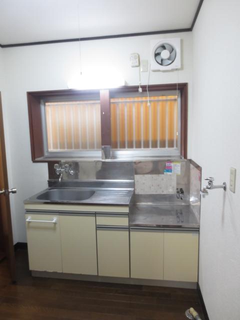 スターハイツ 102号室のキッチン