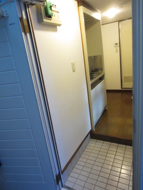 カーサ川口 201号室の玄関